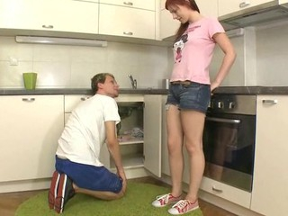 Beauty widens open her legs at the kitchen for wild gratifying