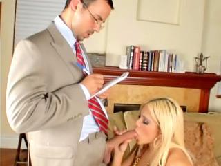 Gorgeous hot blonde pornstar getting gaped abiding by big blarney