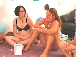 Gorgeous girls and guys try amateur funny party