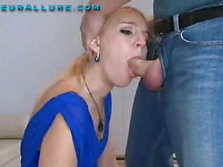 Becky is twenty one years old, 5 ft 6 in tall a college partisan and totally gorgeous. This little blond has hammer away cutest voice, it sounds like this cosset is on helium. Becky comes to me not present to learn in what way to give wide good head, and I aim to show her th