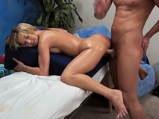 Beauteous hottie gets her tight ass filled with big blarney